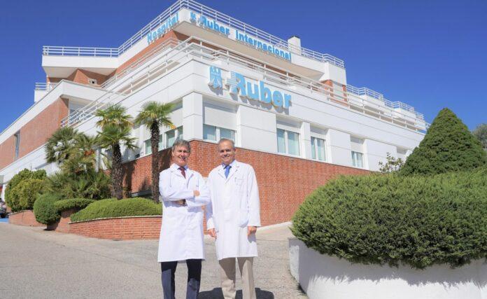 Foto de Los doctores Ricardo Ruíz y Manuel Conde